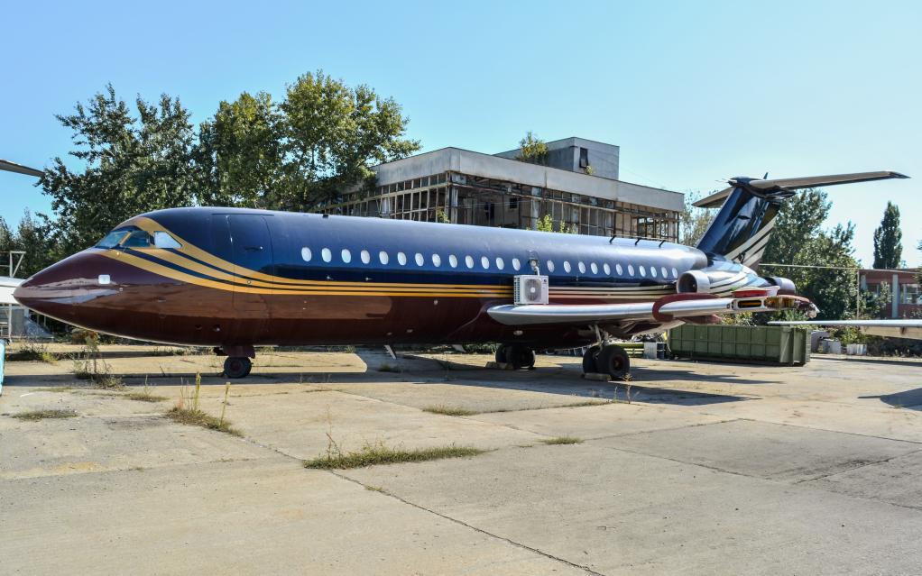 MD-80's at Baneasa 15x1rgm