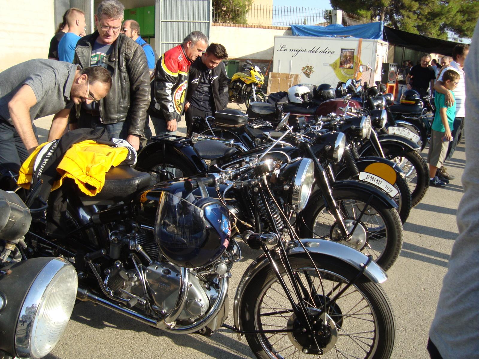 XI concentracion de motos antiguas en Alberuela de tubo (Huesca) 1z2f1qq