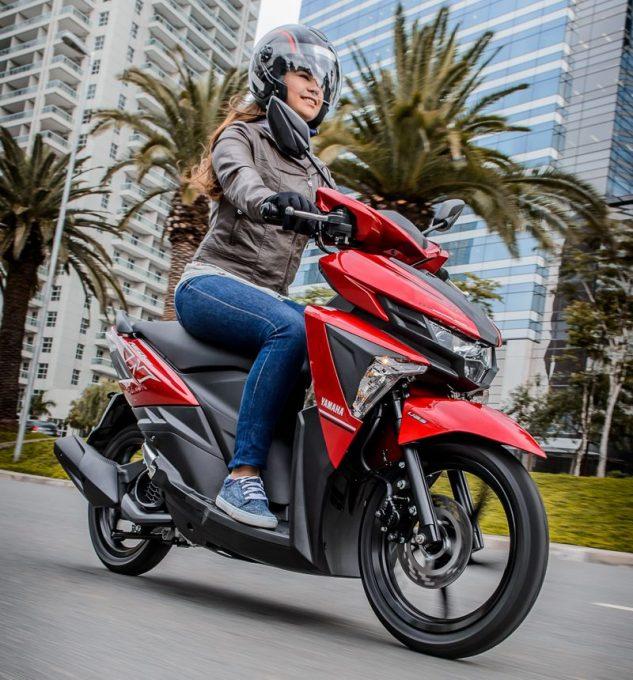 Mulheres e Motos - Como escolher seu scooter, motocicleta ou motoneta 21jnlap