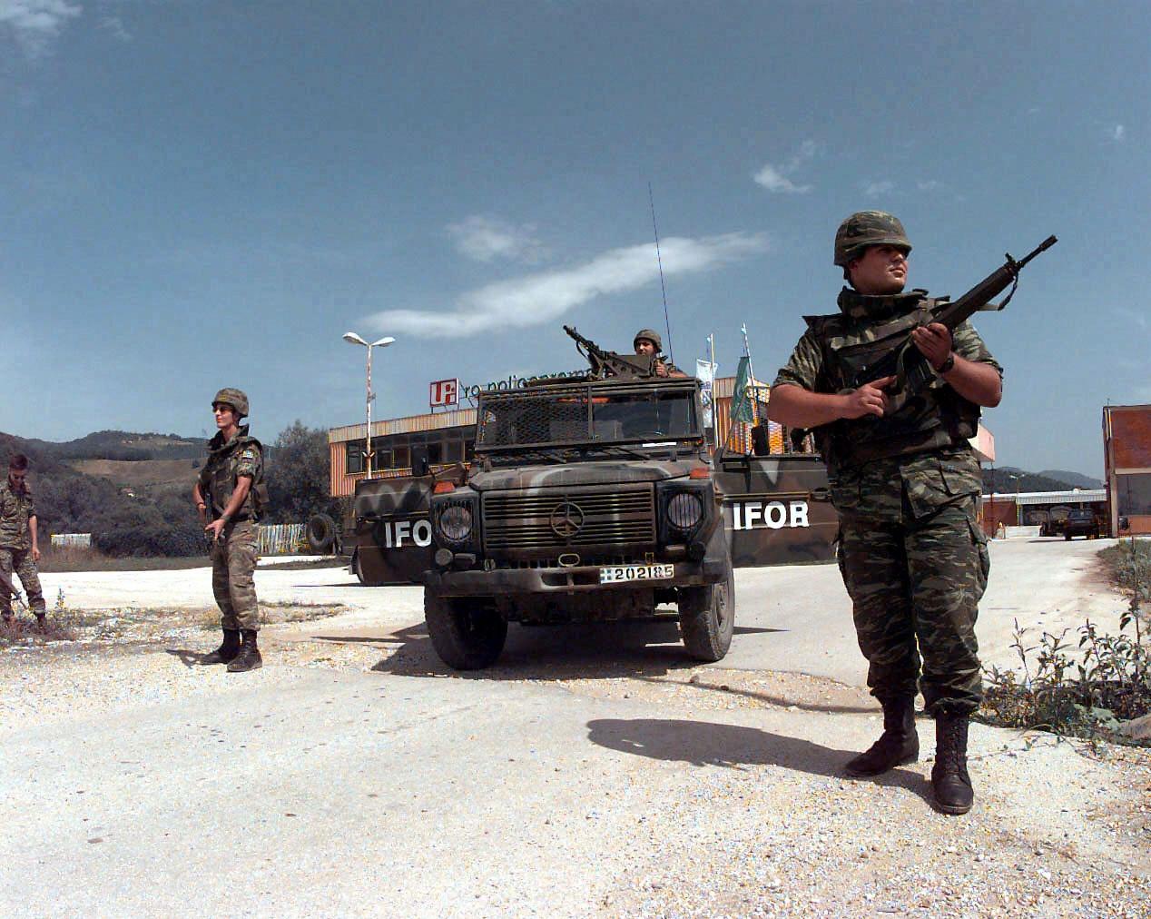 (W462): A Classe G montada em CKD para o exército grego 2d6o74w