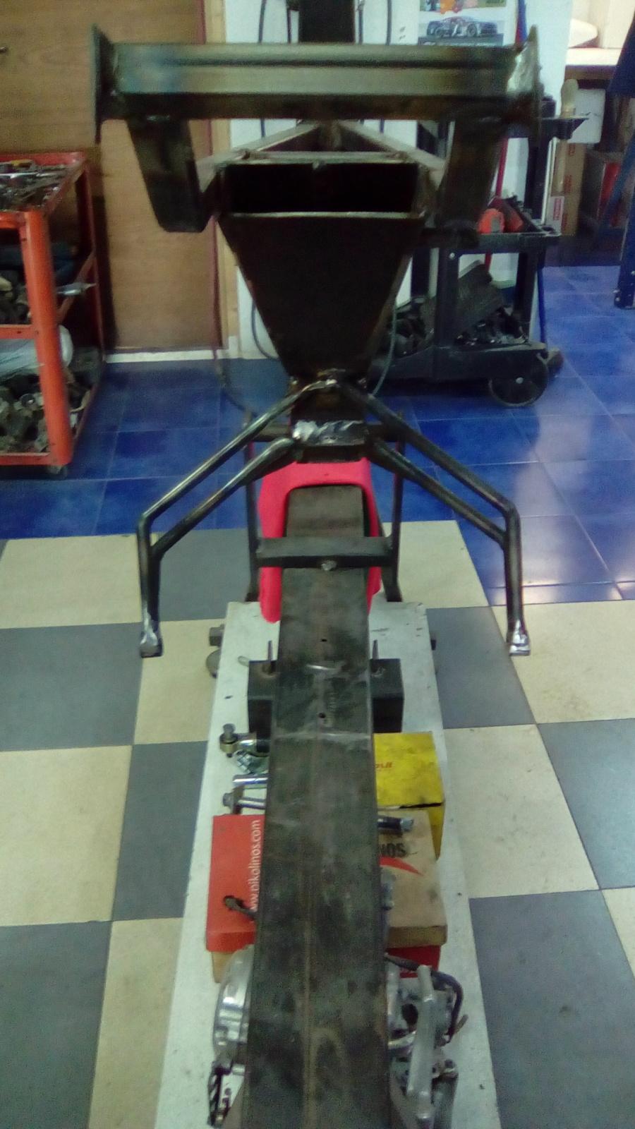 Proyecto Vespino de 65 cc. de Velocidad. - Página 4 2mzjwpv