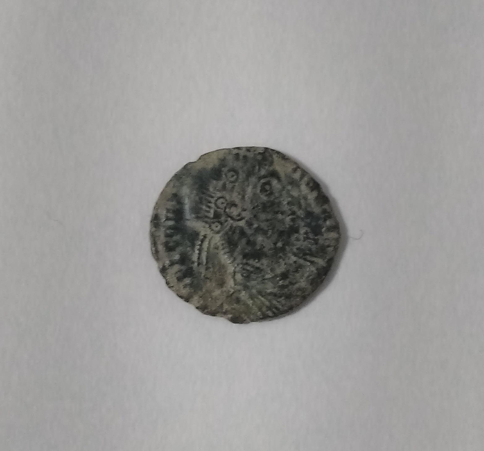 Limpiar/medio restaurar monedas posiblemente romanas 2utjnrq
