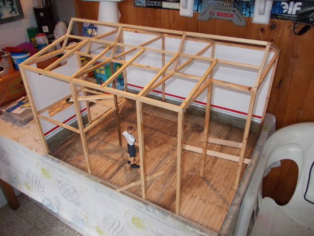 Diorama: garaje-taller crawler escala 1/10 - Página 2 2ykmikm