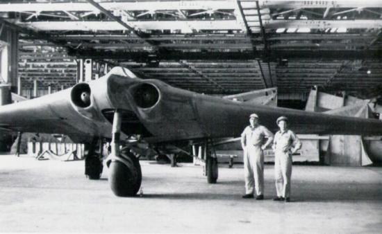 Avion Allemand Horten Ho 229  34y42rs