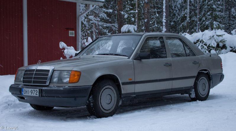 "LarryL: Mercedes-Benz w124 ""Bagged"" 350nv2d"