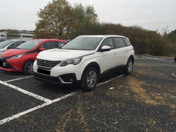 Avistamientos del nuevo Peugeot 5008 en Francia Dxk6c9