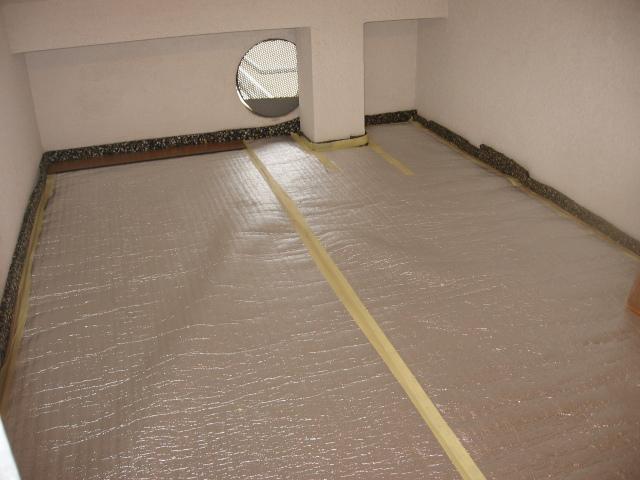 Material aislante para pared medianera. Ftiio3