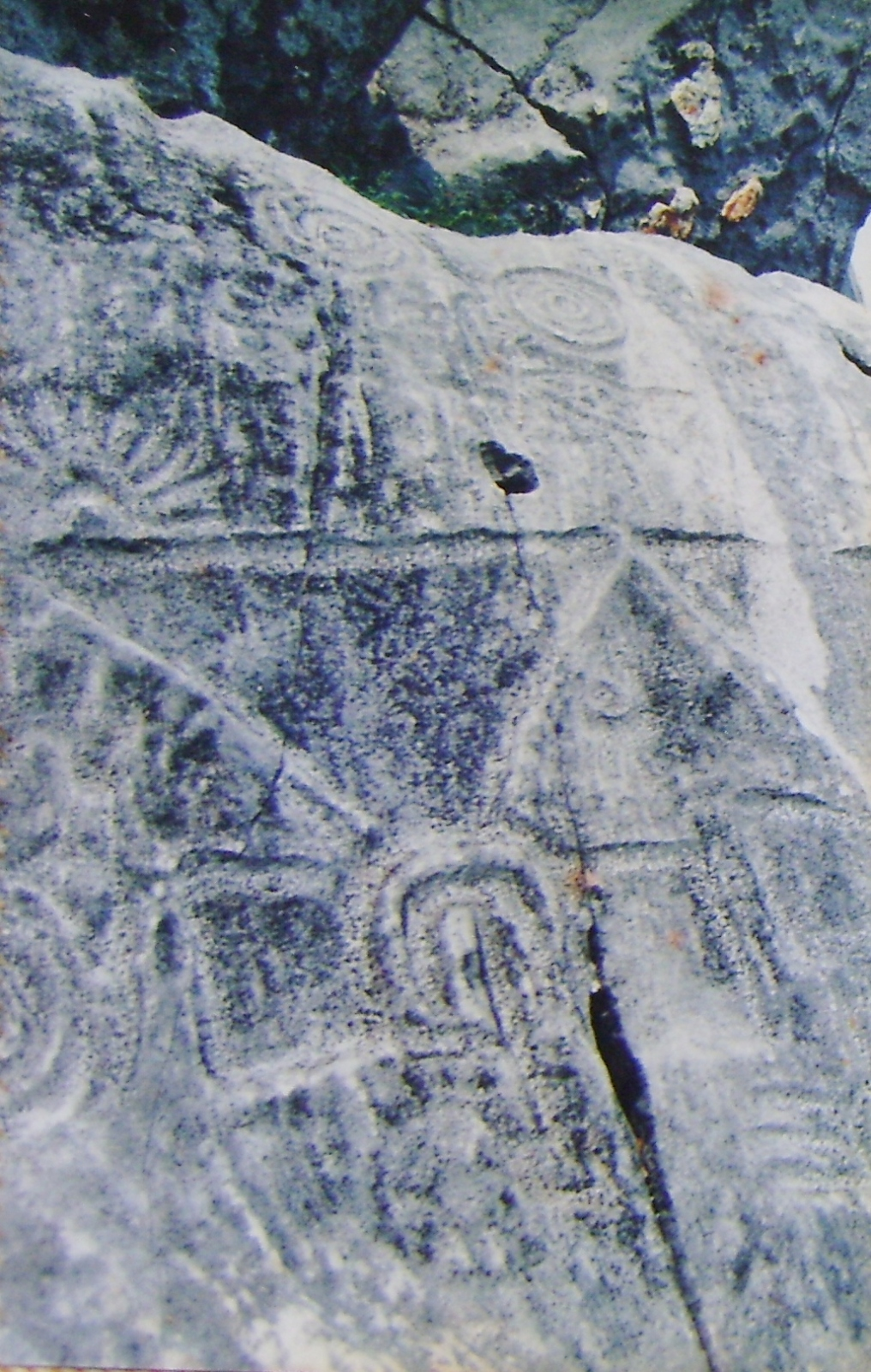 Un cerrito de Petróglifos Verdadero tesoro en Piedras Otqg3s