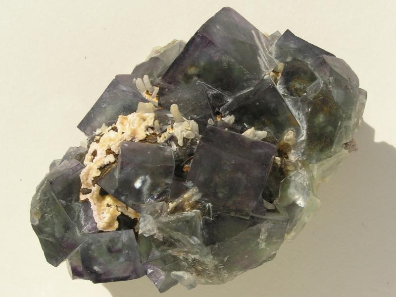 El color de les fluorites T7zev9