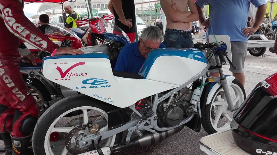 Proyecto Suzuki RG 125 de competición V8o2tt