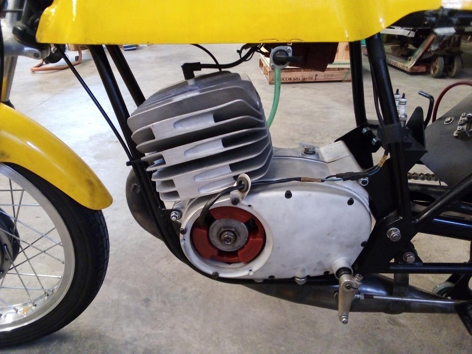 Las Motos de Salvador Carsí W1em1