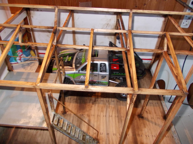 Diorama: garaje-taller crawler escala 1/10 - Página 2 Wths2r