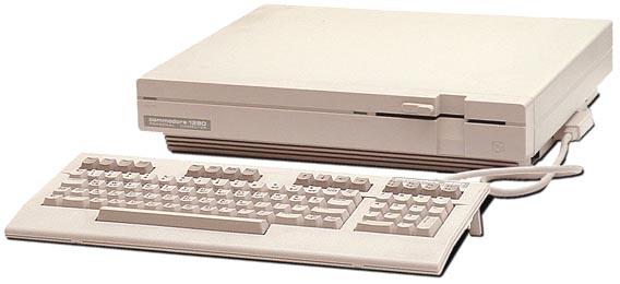 Débat : le plus moche ordinateur 8/16 bits - Page 3 C128d