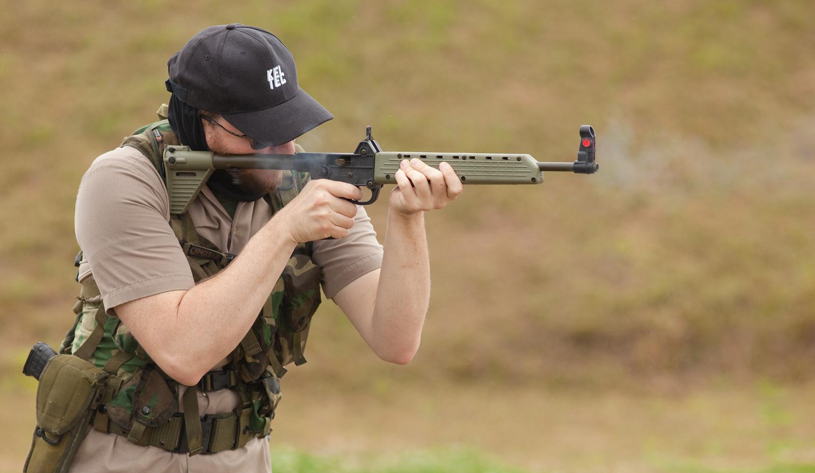 Arme d'épaule compacte pour tirer de 0 à 100m Sub2000_8106