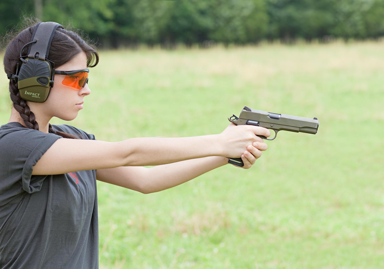 Question, quel pistolet cal .45 mais qui soit pas un 1911 ? Colt1911_5357
