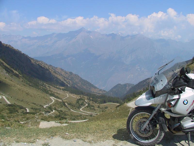 Vos plus belles photos de moto - Page 2 291796804_HHUio-L