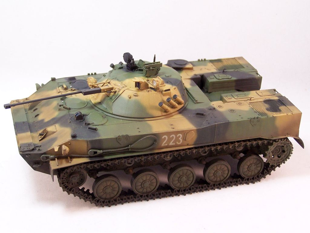 BMD-3 Trumpeter - Page 2 100_4161