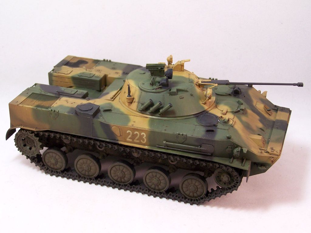 BMD-3 Trumpeter - Page 2 100_4163