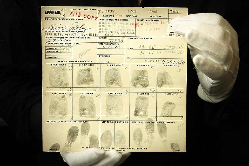 hoping to see the fingerprints of elvis presley 903pod12a