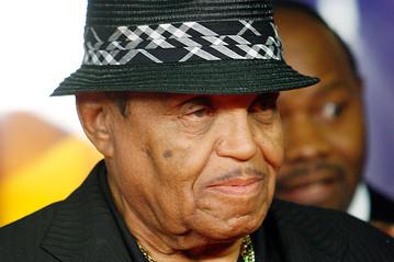 Joe Jackson è stato colpito da un ictus ed è in ospedale in gravi condizioni Joejackson_E_20091110015223