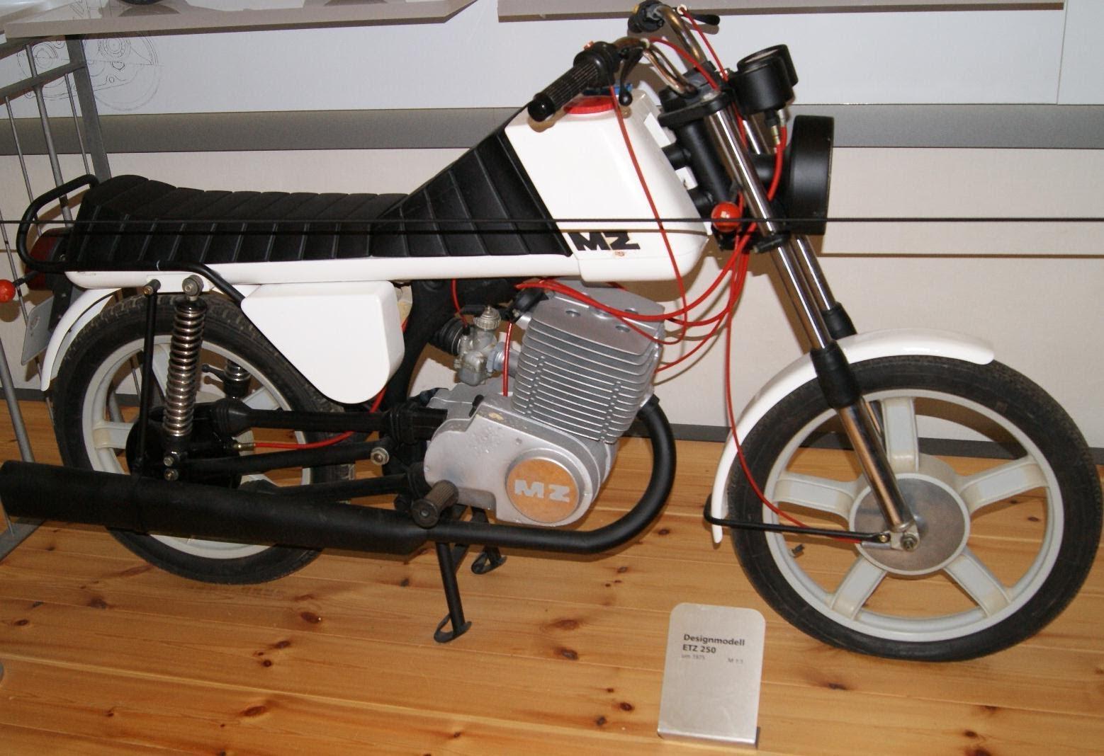 MZ et l'aventure brésilienne - Page 2 Mz-ts-250-1975-moto