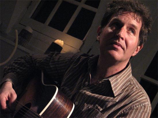 Steve Wynn - Página 4 Steve-Wynn-acoustic