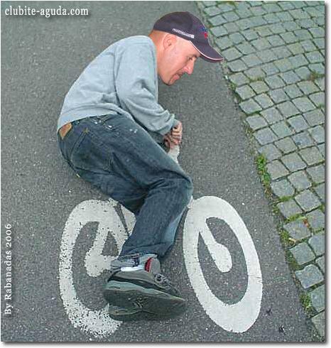Imagens engraçadas. - Página 4 Ciclista-louco-imagem-engracada
