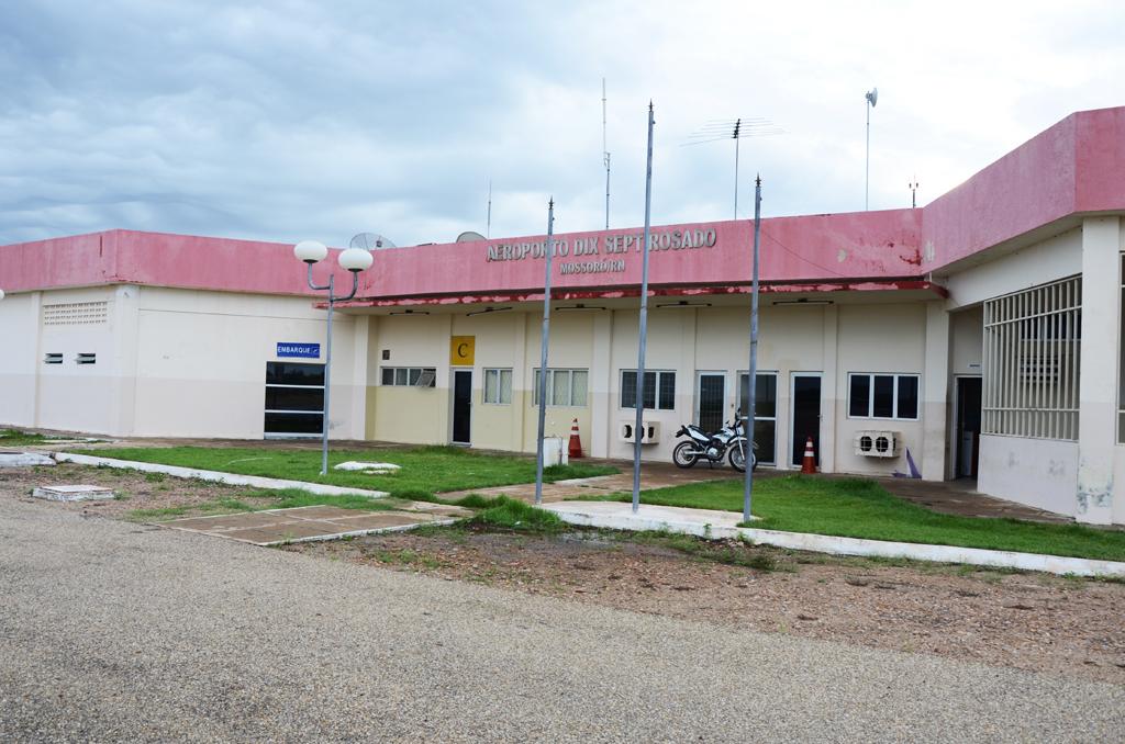 [Brasil] Liberação do Aeroporto de Mossoró depende do rebaixamento de parabólicas e telhados, diz governo Aeroporto-de-Mossor%C3%B3-Fachada