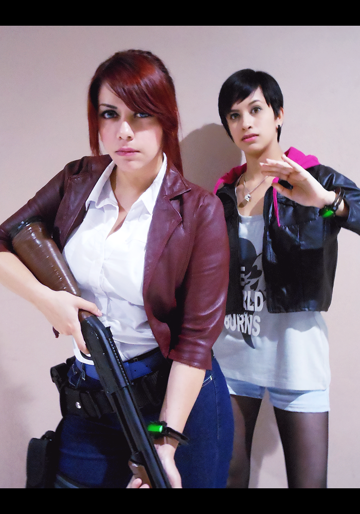 Интересное в «паутине» интернета Claire_redfield_and_moira_burton_cosplay_by_queen_stormcloak-d9212eu