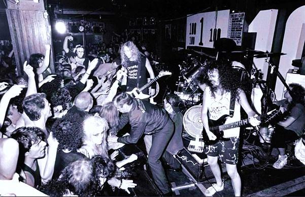 ¿A alguien le gustan los Thunder? - Página 12 Metallica_live_at_the_100_club_by_x_ploder-d5i4yj3