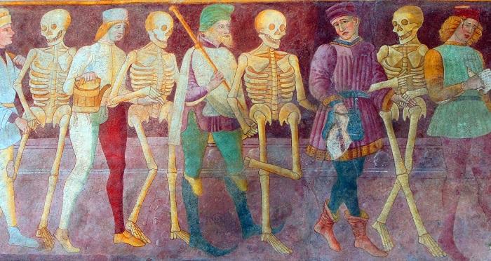 Morte e arte - Pagina 3 Clusone-affreschi-morte1