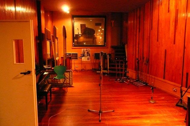 The Kinks - Muswell Hillbillies (1971) Calum-MacDonald-Recording-studio-of-the-week-konk-studios-owned-by-the-kinks-6