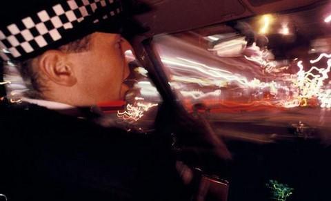 Un policier britannique affirme avoir été abducté en 1980 1-237
