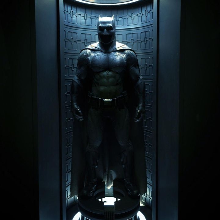 BvS: Here's a Closer Look at the Batsuit Bvs-costume-720x719