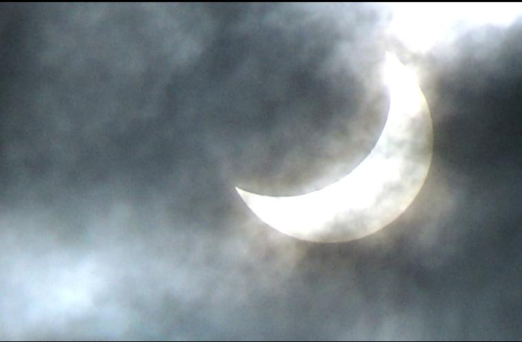 Eclipse partielle de Soleil - 20 Mars 2015 - Page 6 2015-03-21_22-04-05