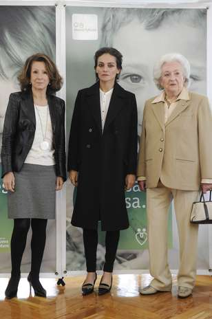 Pilar de Borbón y Luis Gómez-Acebo - Página 7 Gtresu241687001