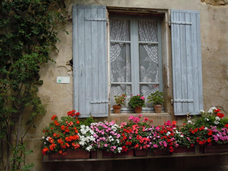 Des fenêtres d'hier et d'aujourd'hui. - Page 2 67301545