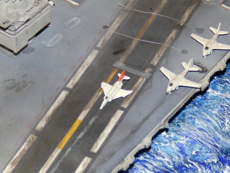 Porte avion USS ENTREPRISE-revell-[Mise en scène marine] 1/720. 105901349