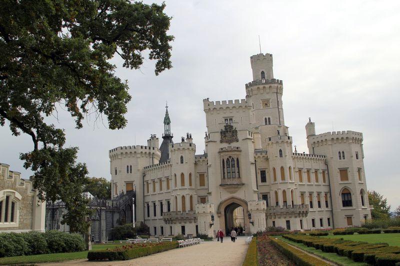 un chateau - ajonc - 12 juillet trouvé par René lelillois  58196969