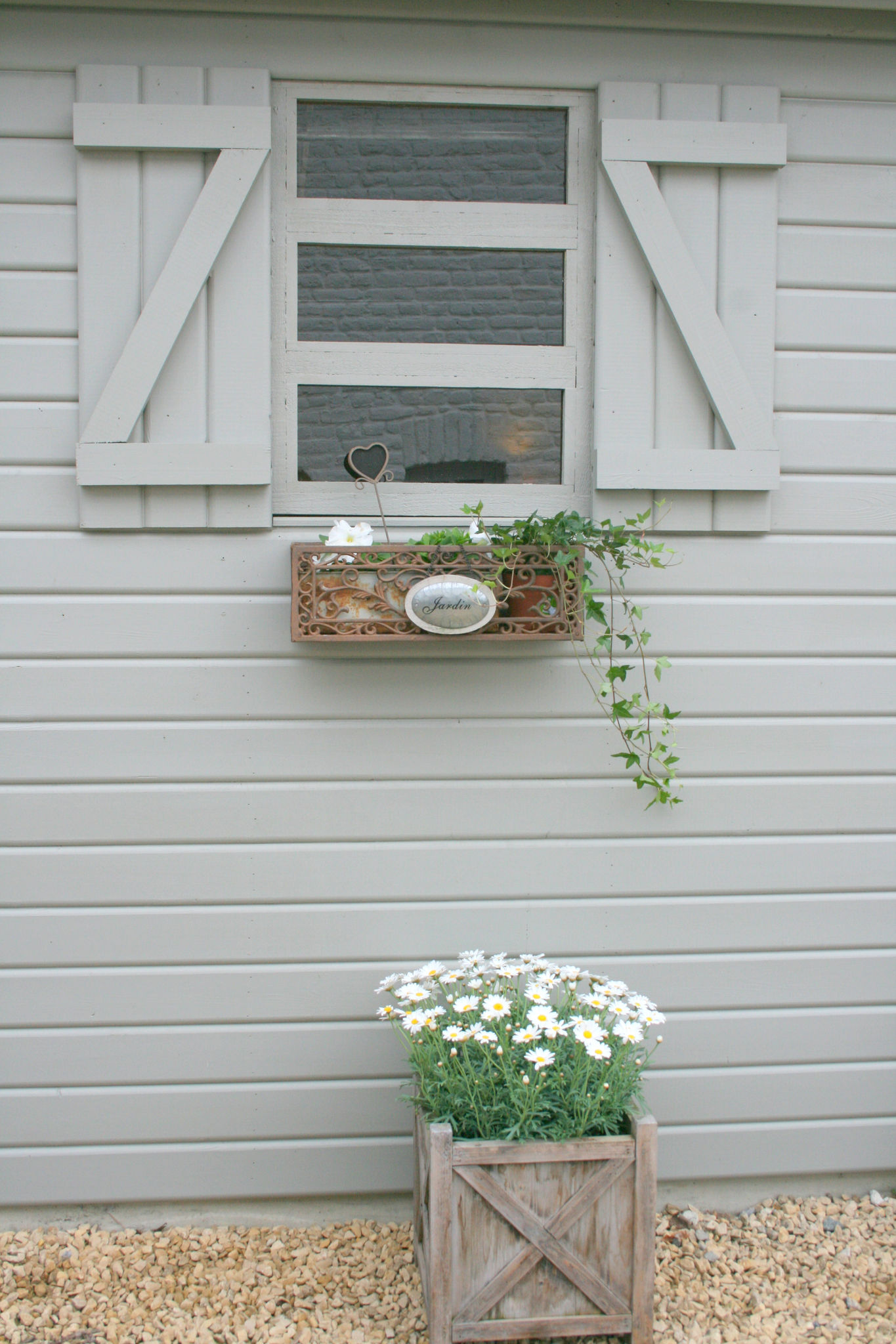 Quelle couleur pour mon abris de jardin  89133624_o
