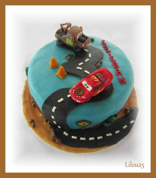 Cars quatre roues : Flash McQueen et ses amis - Page 10 110070371