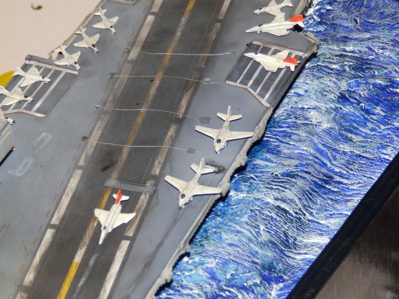 Porte avion USS ENTREPRISE-revell-[Mise en scène marine] 1/720. 105901399