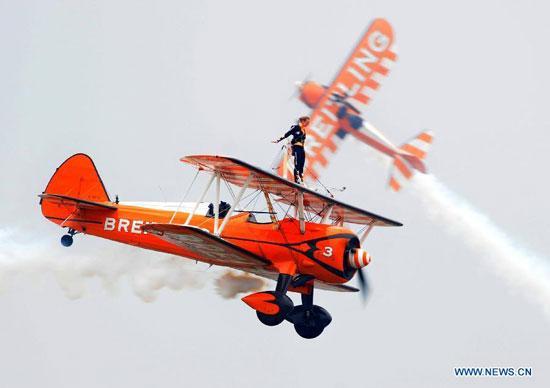 قراءة مابين سطور معرض  تشوهاى للطيران عام 2012 - صفحة 2 1353172114937_1353172114937_r