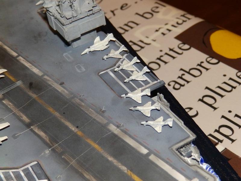 Porte avion USS ENTREPRISE-revell-[Mise en scène marine] 1/720. 105901416