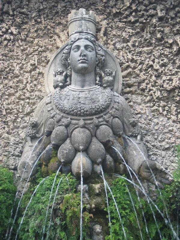 Les déesses aux seins multiples 38636332