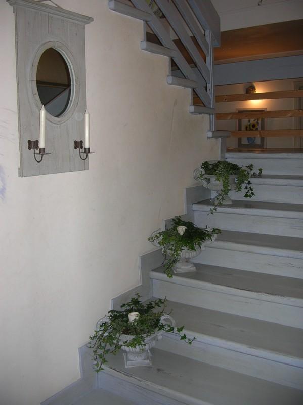 besoin d'idées pour un escalier trop visible - Page 2 22933192