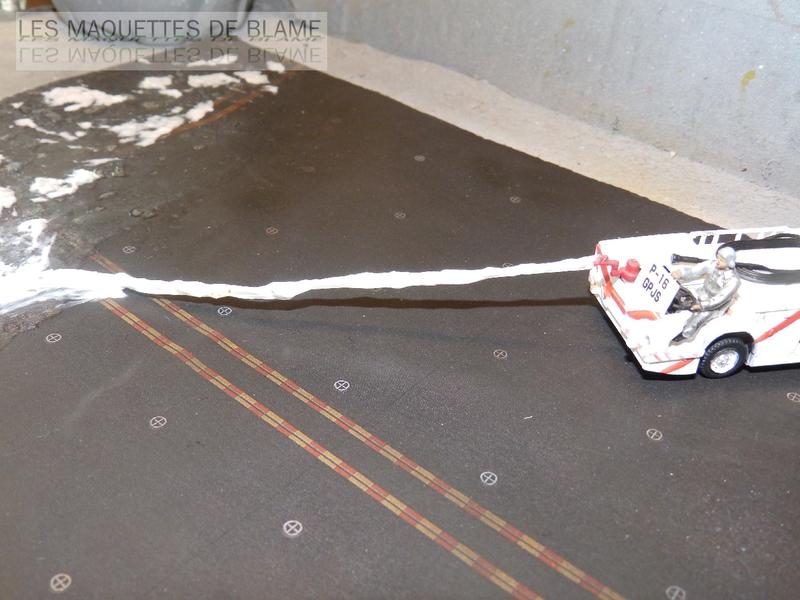 DIORAMA ATTENTION À LA FUITE (A7-A CORSAIR 2 VA-153 BLUE TAIL FLIES)!!!! 115181738