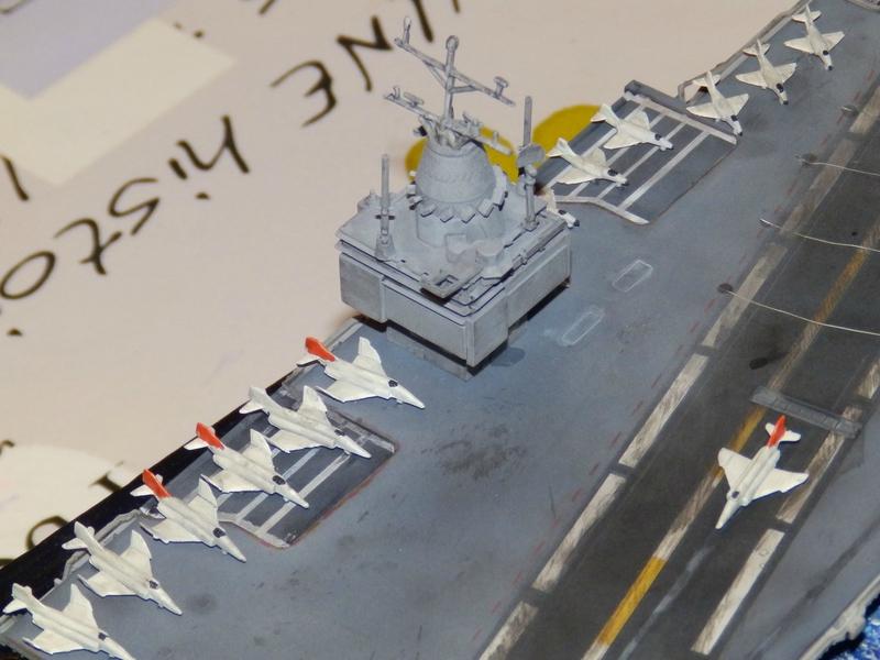 Porte avion USS ENTREPRISE-revell-[Mise en scène marine] 1/720. 105901385