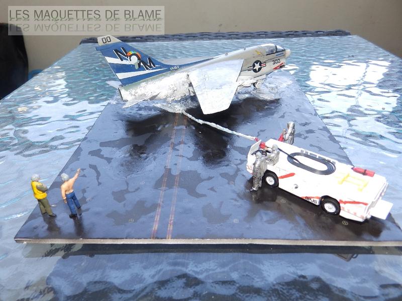 DIORAMA ATTENTION À LA FUITE (A7-A CORSAIR 2 VA-153 BLUE TAIL FLIES)!!!! 115181921