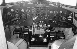 Anciens avions de la RAM - Page 3 43988877_p